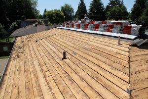 Zsindely tető felújítás letakarított tető